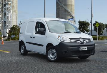 Kangoo Front Three Quarter w BG
